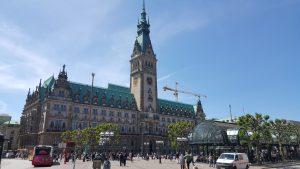 Hamburger Rathaus. Hausverwaltung und Immobilienmakler Axel Schneider Immobilien