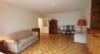 Ruhig gelegene 2-Zimmer-Wohnung mit großem Balkon, Garage und Pool - Wohnzimmer 2