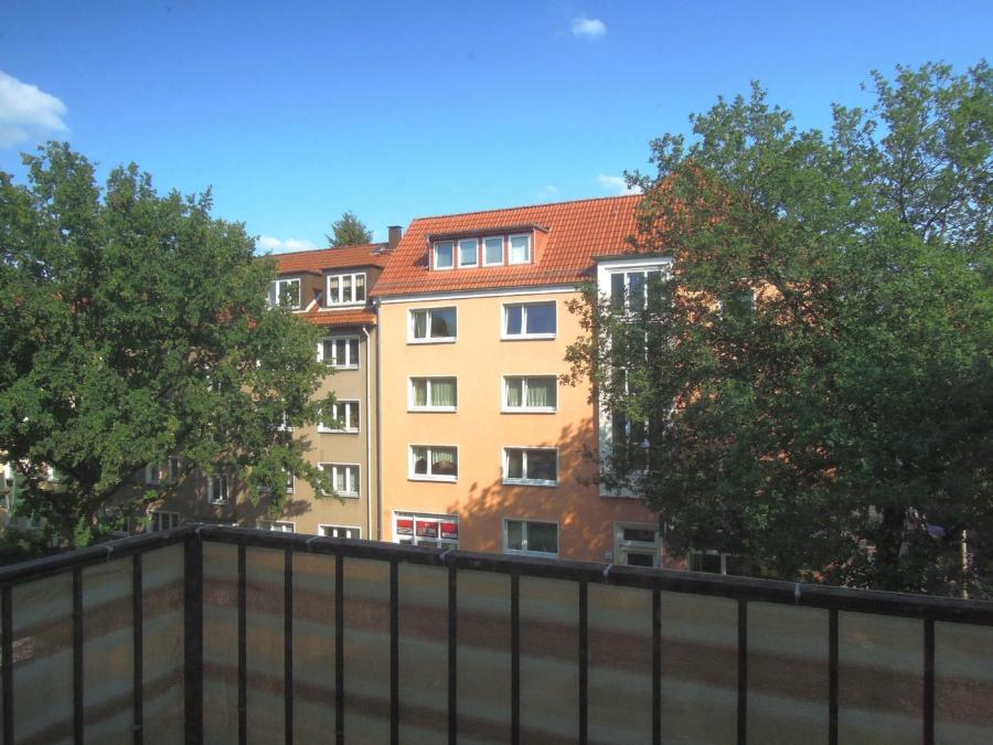 Kapitalanlage in Form eines Mehrfamilienhause, zentral in Harburg gelegen - 2.OG - Aussicht - Balkon