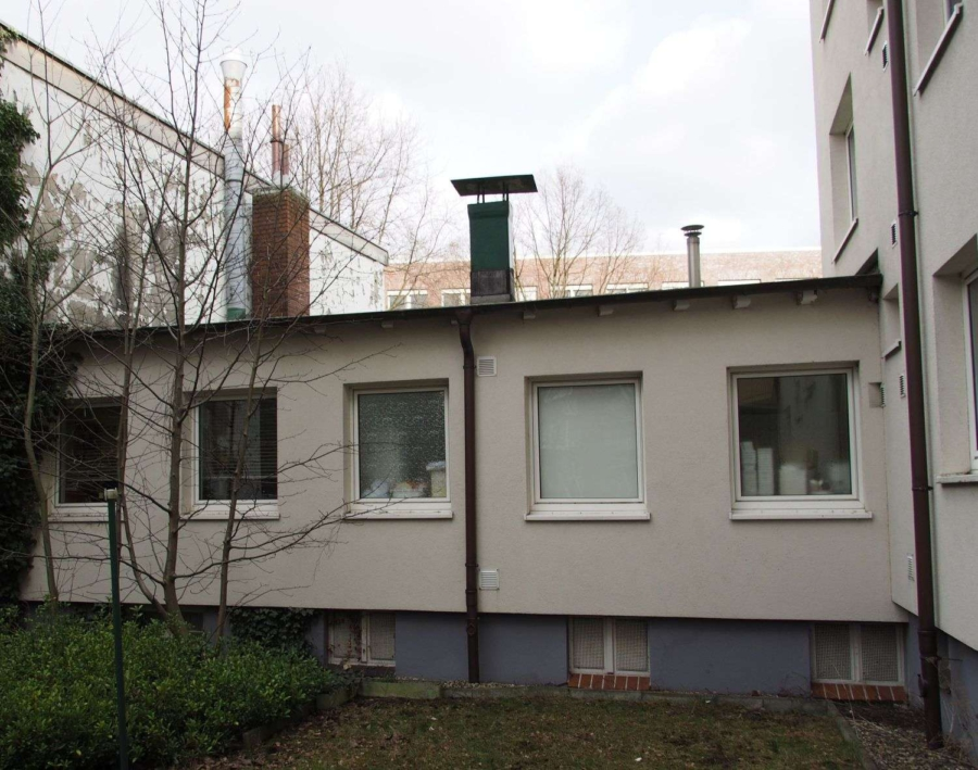 Mahrfamilienhaus mit Gewerbeanbau - 2016-03-01_661_P3010010