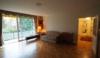 Ruhig gelegene 2-Zimmer-Wohnung mit großem Balkon, Garage und Pool - Wohnzimmer 3