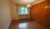 Ruhig gelegene 2-Zimmer-Wohnung mit großem Balkon, Garage und Pool - Schlafzimmer