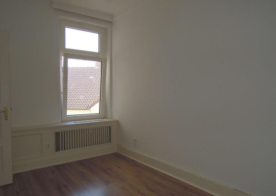 Kapitalanlage in Form eines Mehrfamilienhause, zentral in Harburg gelegen - 2.OG - Zimmer 1