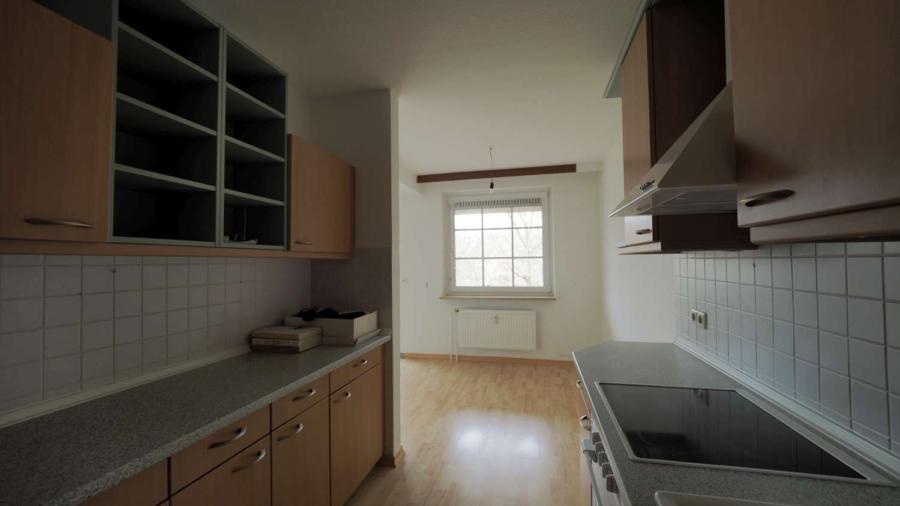 Ruhig, zentral gelegene 2 1/2-Zimmer-ETW inkl. Tiefgaragenstellplatz in Hummelsbüttel - offene Küche