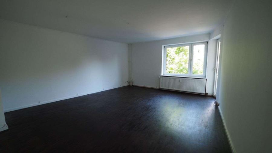 Freie 2 1/2-Zimmer-Wohnung am Eppendorfer Weg beim Generalsviertel - Wohnzimmer