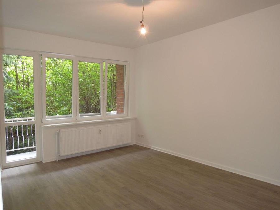 Courtagefrei - Mehrfamilienhaus in zentraler Lage von Eimsbüttel zu kaufen - EG rechts Wohnzimmer