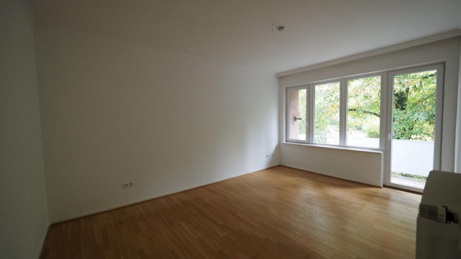 Courtagefrei - Mehrfamilienhaus in zentraler Lage von Eimsbüttel zu kaufen - 1. OG links Wohnzimmer