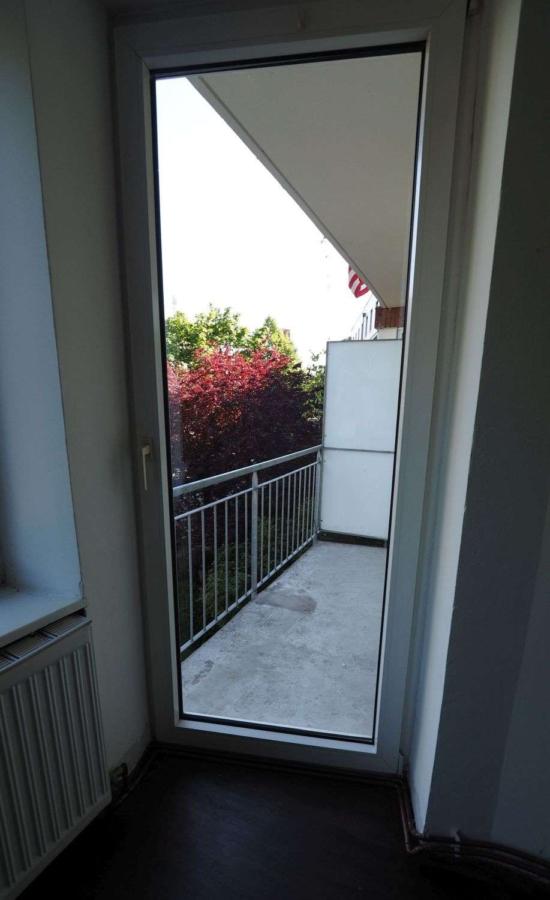 Freie 2 1/2-Zimmer-Wohnung am Eppendorfer Weg beim Generalsviertel - Balkon
